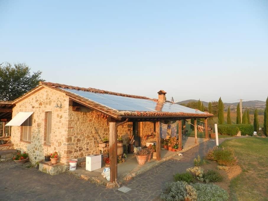34 zonnepanelen zorgen ervoor dat Polmone Turismo Verde een duurzame vakantiebestemming is