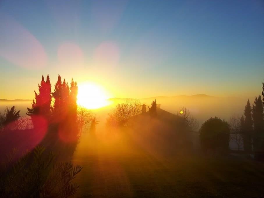 Ondergaande zon bij Polmone Turismo Verde, vakantie appartementen in Umbrië