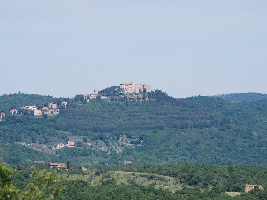 Fantastisch uitzicht op het kasteel van Montegiove
