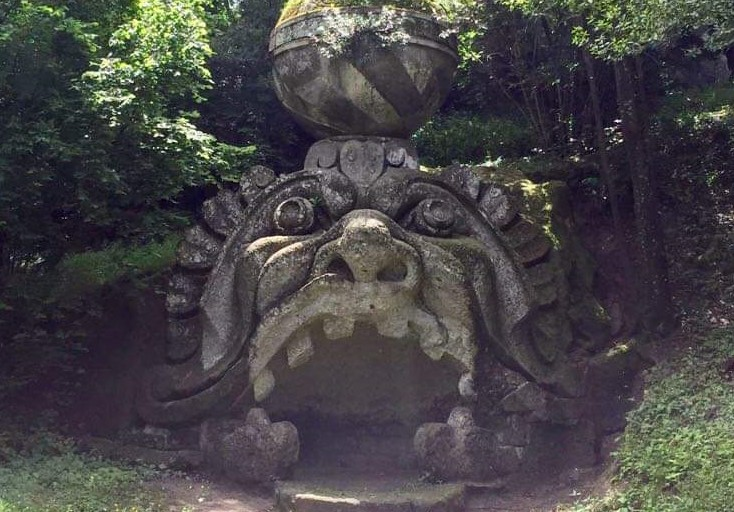 De muil in het Parco dei Mostri een droomplek in Bomarzo