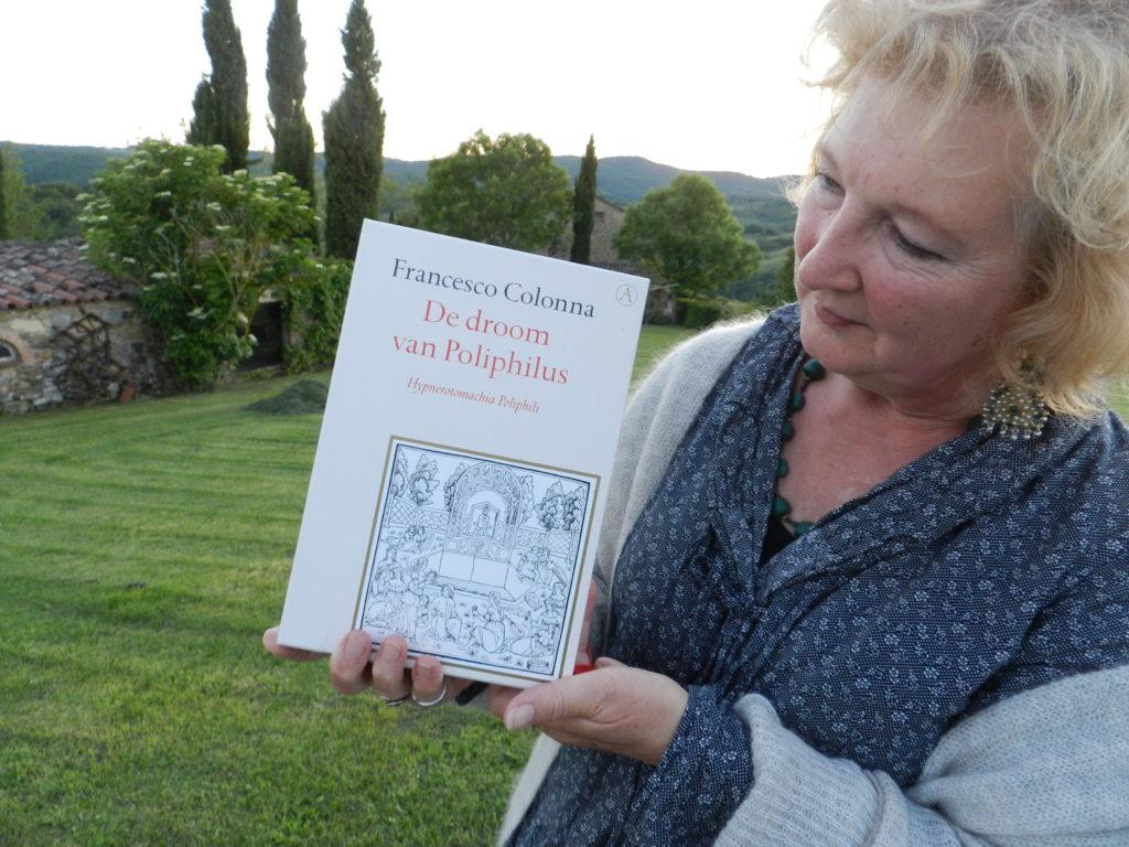 Marij Lamers vertelt n.a.v. een bijzonder boek over een droomplek in de Umbrische heuvels