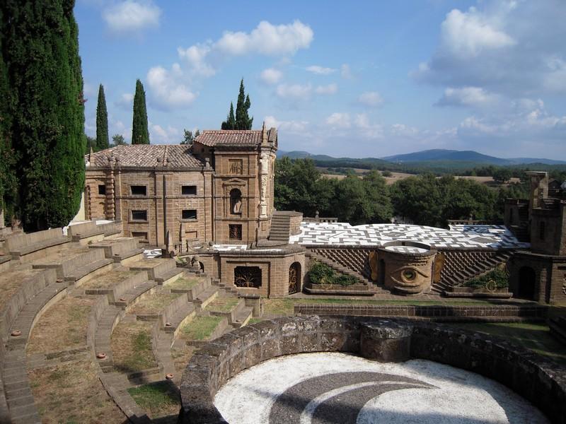 Een van de 7 theaters van de ideale stad La Scarzuola droomplek in de Umbrische heuvels