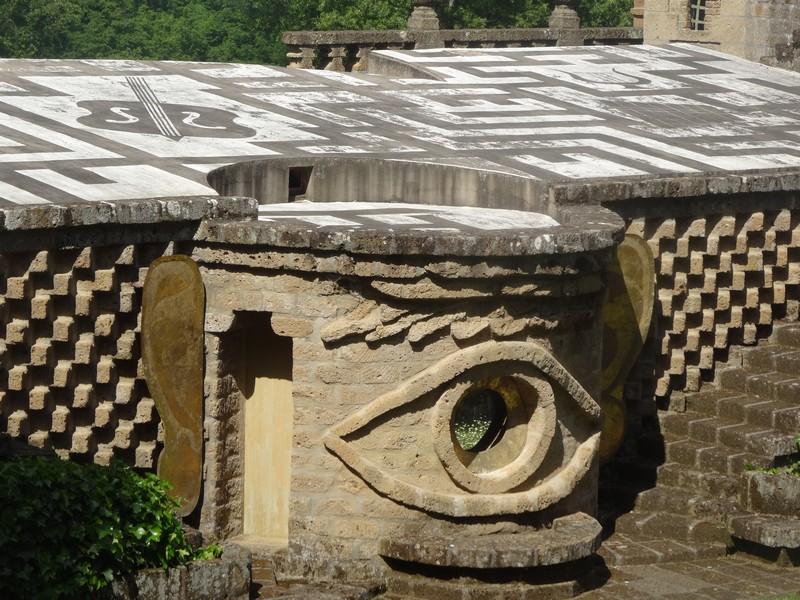 Het derde oog in een van de zeven theaters van La Scarzuola, droomplek van Tomaso Buzzi in de Umbrische heuvels