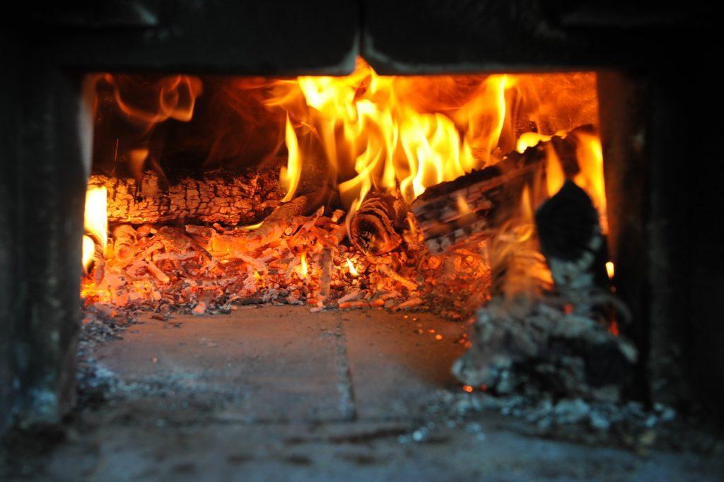 Zolang we appartementen in Polmone hebben, zo lang bakken we al pizza in de originele houtoven van de boerderij Polmone
