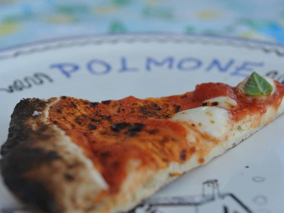Pizza en vakantie in ee appartement in Umbrie