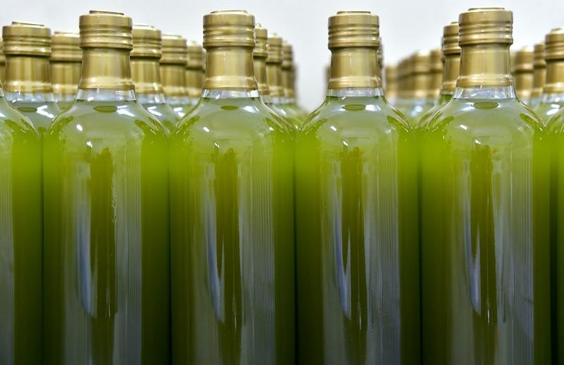 In de supermarkt zie je flessen olijfolie, maar hoe wordt olijfolie gemaakt?