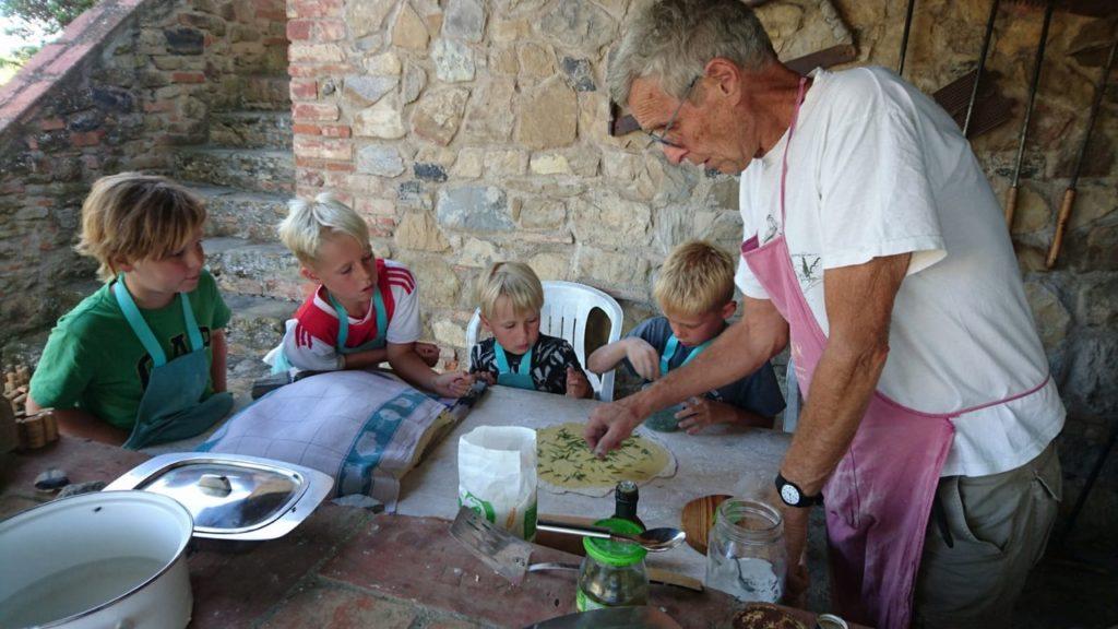 Pizzabakken met kinderen in de zomervakantie