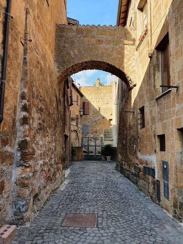 Wil jij Umbrië ontdekken? Onze tip voor Orvieto is slenteren door de Middeleeuwse wijk